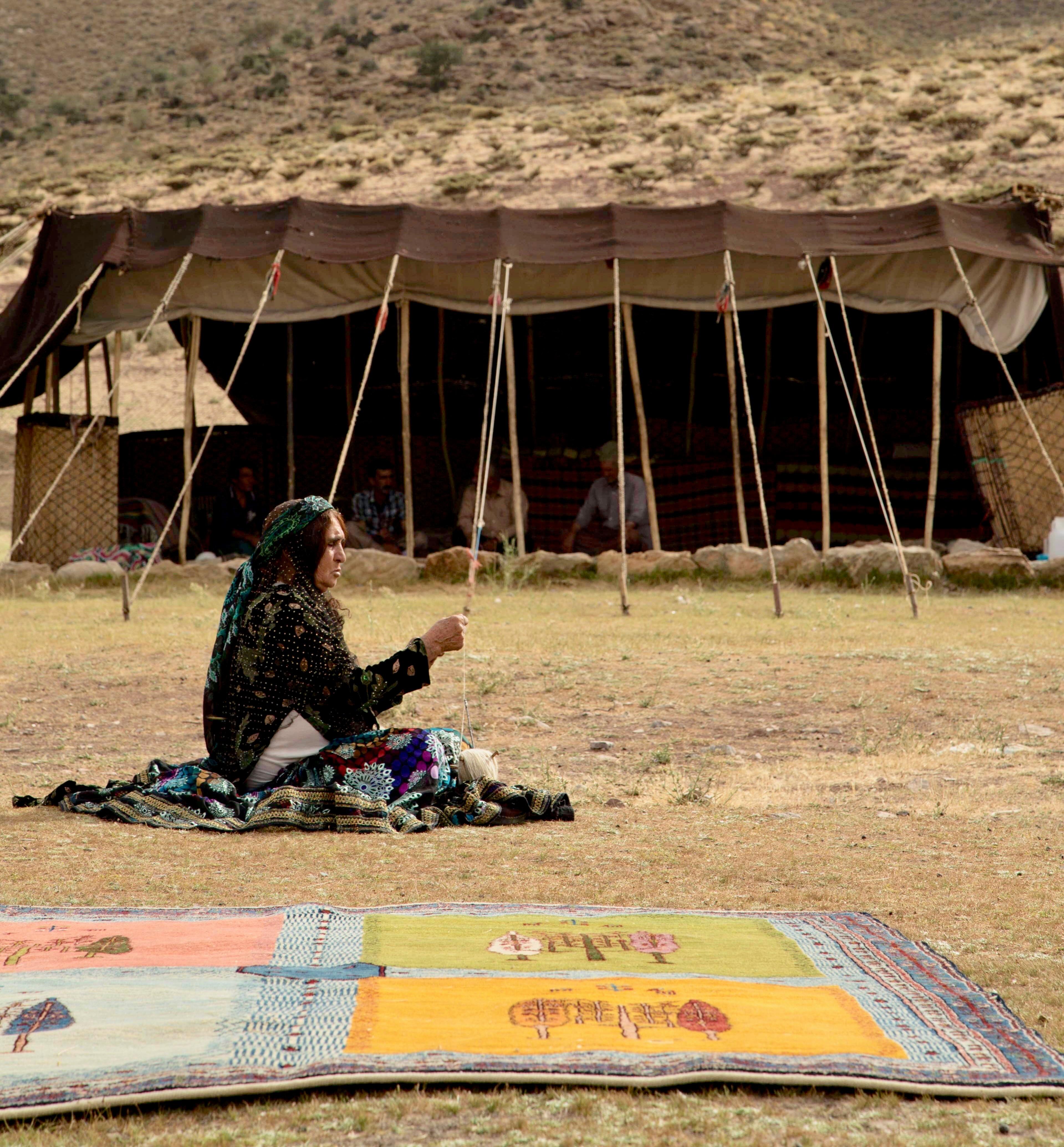 handgeknuepfte-teppiche-nomaden-iran